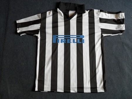 NEW KIT black/white 4.99